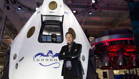 Ілон Маск співає «Траву у дома»: діпфейк набирає популярності після запуску космічного корабля