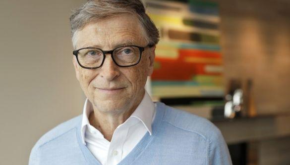 Білл Гейтс відповів на чутки про те, що під виглядом вакцини від Covid-19 він чипуватиме людей
