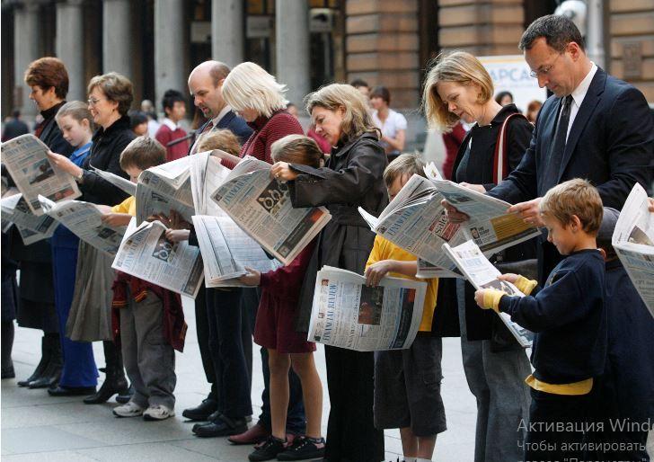 Спільноти, членства та клуби при ЗМІ. Як це працює і чи врятує українські медіа?