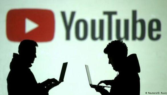 YouTube стає схожим на TikTok: у додатку тестують зйомку коротких відеороликів