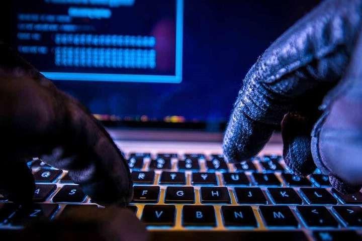 Великобританія, США та Канада звинуватили РФ у хакерських атаках з метою вкрасти дані про вакцину від COVID-19
