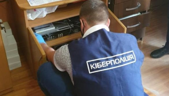 У Миколаєві викрили нелегальних розповсюджувачів контенту телеканалів - кіберполіція