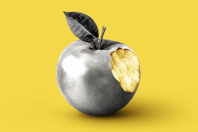 Apple за день втратила рекордних $180 млрд капіталізації