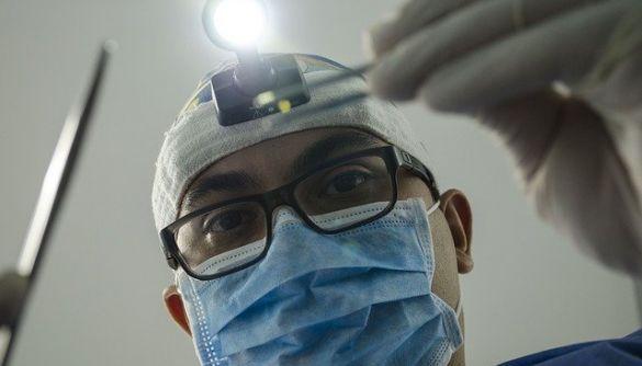 Понад 7000 медиків померли від коронавірусу. Найбільше – у Мексиці та США