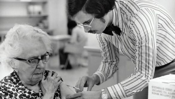 Науковці сумніваються в ефективності російської вакцини від COVID-19 попри публікацію в Lancet