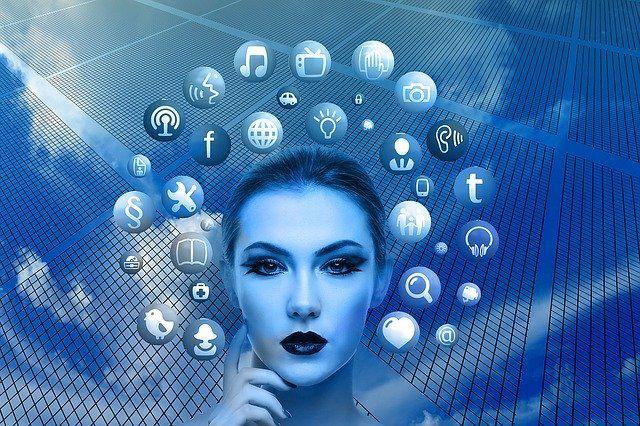 Єврокомісія закликала соціальні мережі посилити боротьбу з фейками