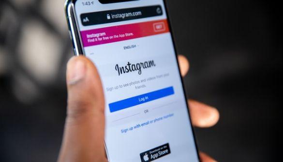 Instagram розглядає можливість ввести плату за розміщення активних посилань в підписах до фото