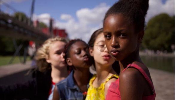 У США спалахнув скандал довкола фільму про 11-річну дівчинку, що вирішила зайнятись тверком