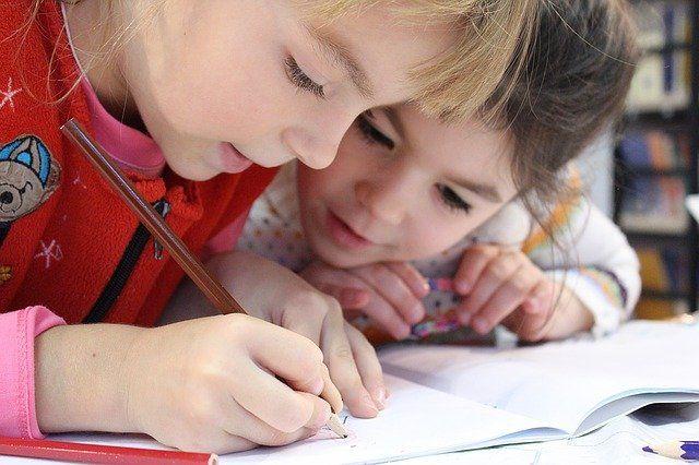 Утиски російськомовних школярів — нова улюблена тема російської пропаганди