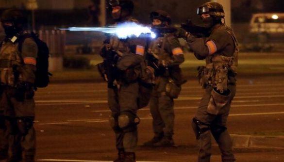 Білоруські силовики випустили відеозвернення з погрозами застосувати бойову зброю проти мітингувальників