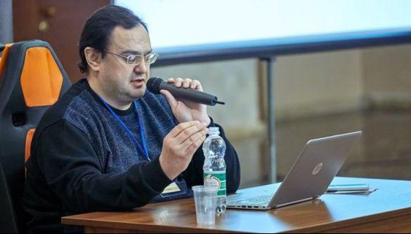 СМИ обвинили белорусского журналиста, живущего в Киеве, в том, что он годами выдумывал экспертов для своих статей