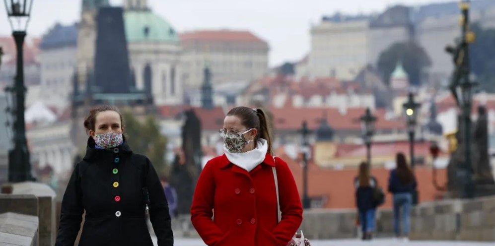 У Чехії запроваджують комендантську годину через спалах COVID-19