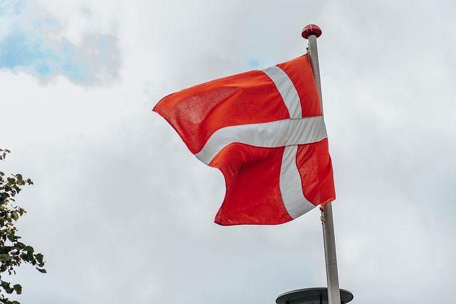 Уряд Данії пішов на самоізоляцію через коронавірус у одного з міністрів