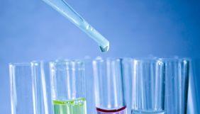 У мережі поширюють фейк, що ПЛР-тести не виявляють віруси. У тому числі й COVID-19