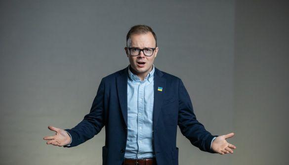 Канали Пінчука й Порошенка підтримали кандидата від «Голосу» — моніторинг