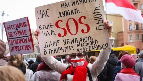 Лукашенко «відстрілюється» від світу разом із Путіним. Що відбувається із протестами й медіа в Білорусі