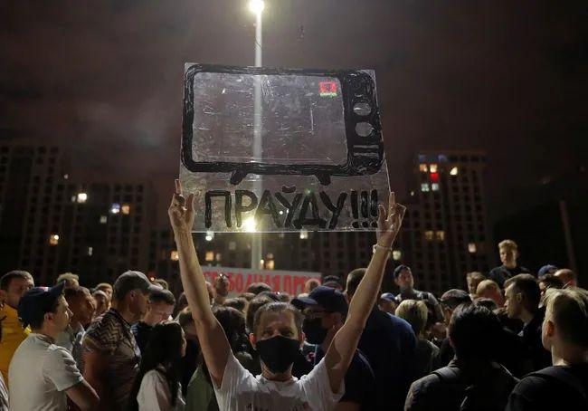«Выключить телевизор». Почему российская пропаганда может не сработать в Беларуси