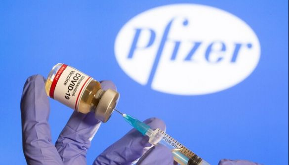 Двом медикам на Алясці знадобилася невідкладна допомога після щеплення вакциною Pfizer