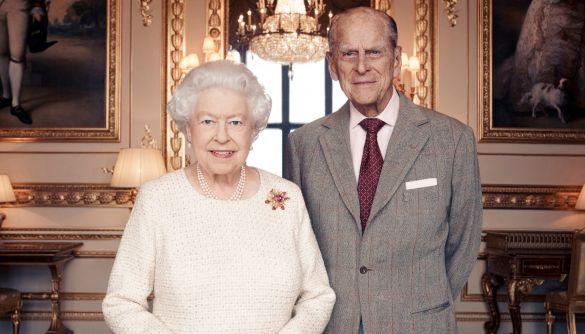 Королева Великої Британії та її чоловік вакцинувалися від коронавірусу