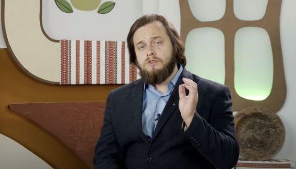 «Треба розрізняти сатиру та фейки». Остап Українець — про вигадані новини UaReview та «підпільну гуманітарку» по-українськи