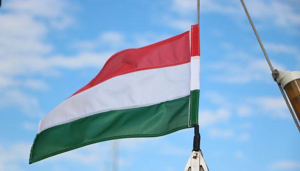 Угорщина першою в Євросоюзі схвалила російську вакцину від коронавірусу «Супутник V»