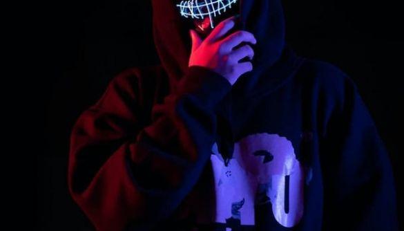 СБУ заблокувала діяльність мережі інтернет-агітаторів, якими керували з Росії