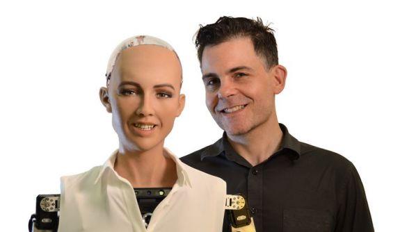 Розробник робота Софії планує налагодитися масове виробництво людиноподібних роботів