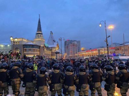 Росія зобов'язала соцмережі шукати і видаляти інформацію про неузгоджені з владою акції протесту