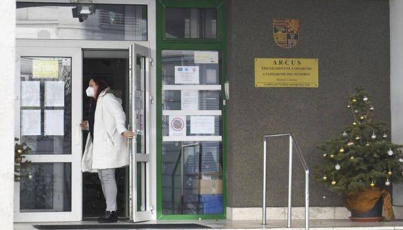 Фейк: У Словаччині 36 людей похилого віку померли «після вакцини від COVID-19»