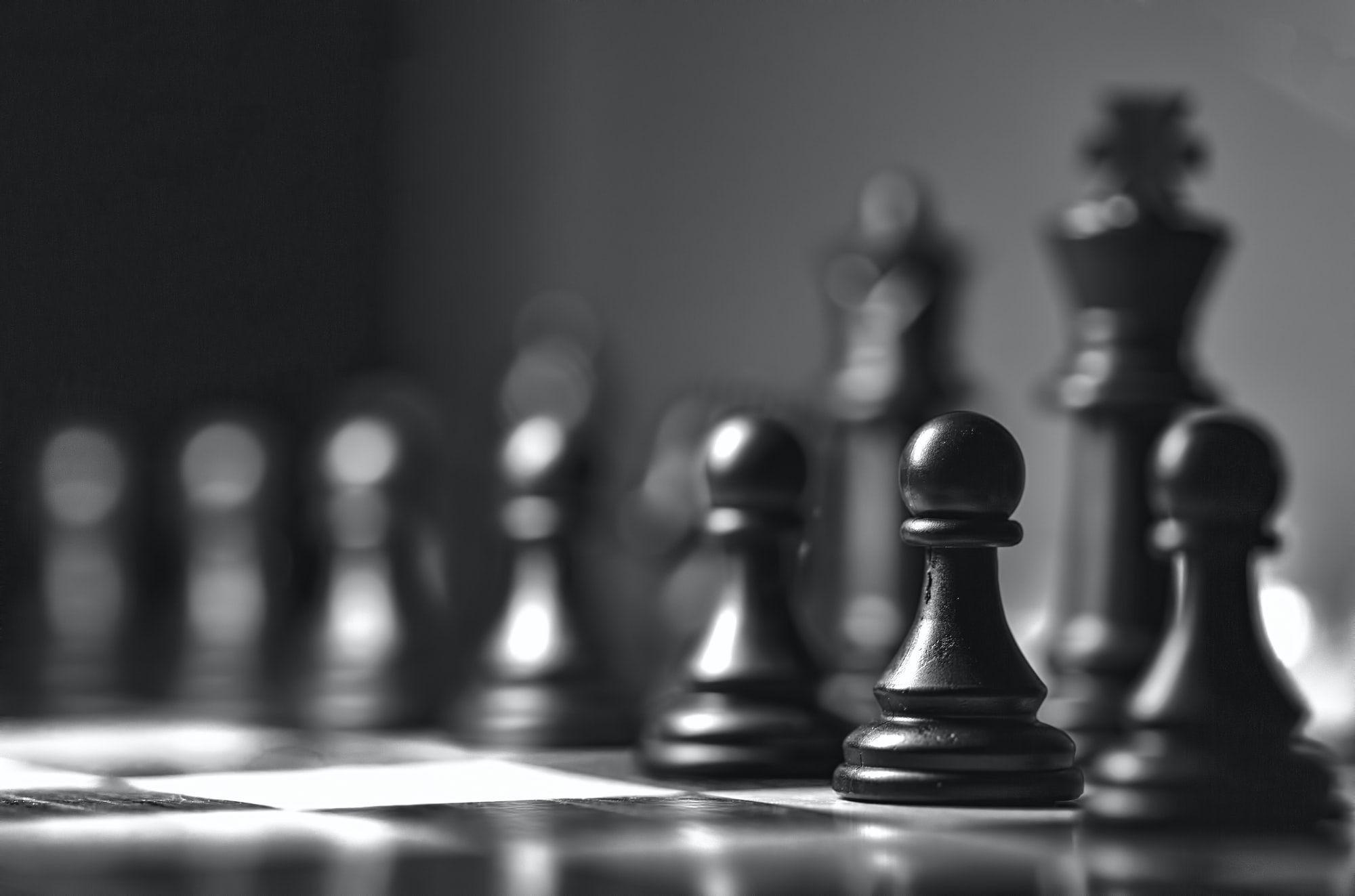 «Чорні проти білих». Штучний інтелект заблокував найпопулярніший канал на YouTube про шахи за «расизм»