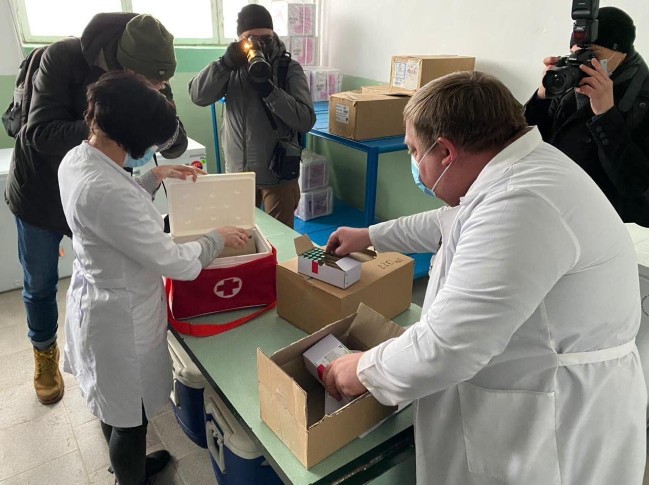 Перше щеплення від коронавірусу в Україні зробили лікарю на Черкащині