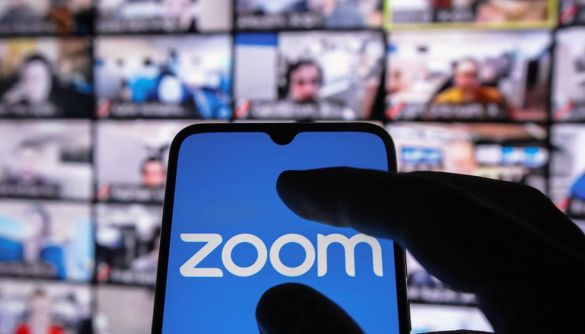 Самоізоляція і карантин вплинули на дохід Zoom: за рік цифра виросла на 326%
