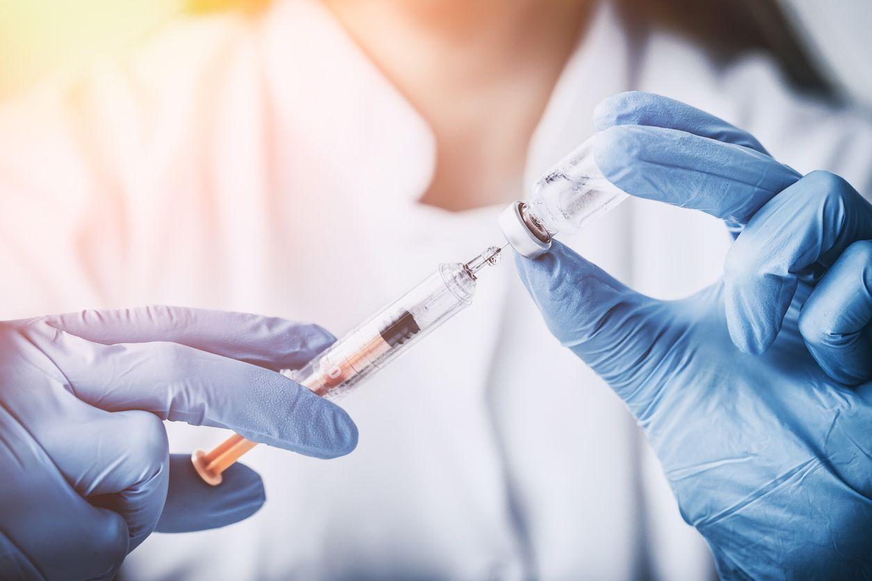 Онлайн-запис на вакцинацію допоможе в майбутньому отримати COVID-паспорт – Шмигаль