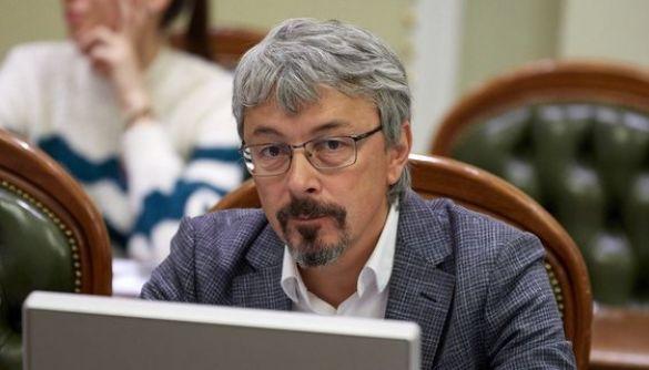 Ткаченко пов'язав чутки про AstraZeneca з російським піаром. Мета – розчистити фармринок для «Спутник V»