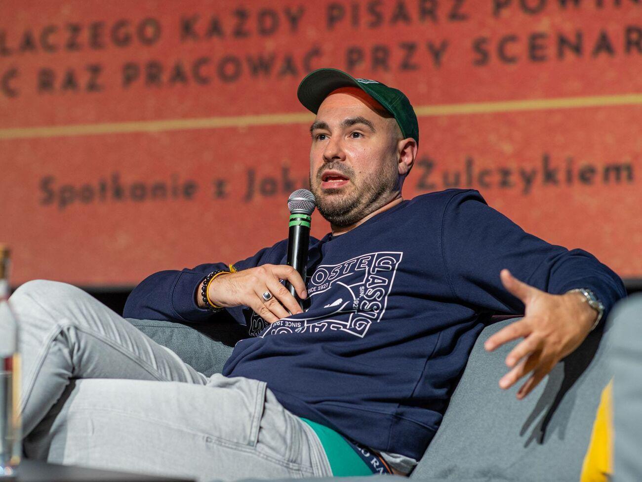 Польському письменнику та журналісту загрожує три роки в'язниці за образу президента в соцмережі