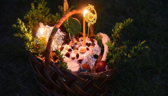 В мережі поширюють фейк про те, що в Україні скасували святкування Великодня та травневих свят