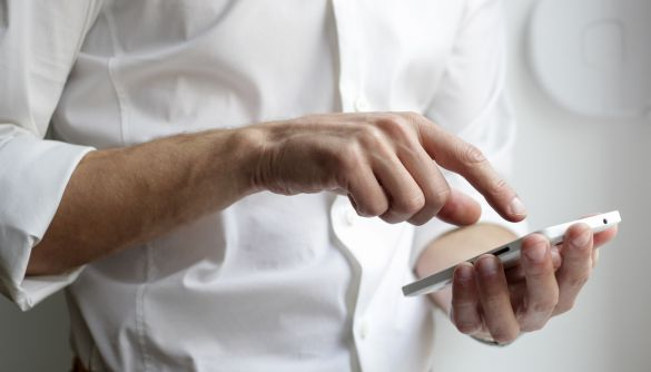 Українські лікарі, які роблять щеплення від коронавірусу, отримають доступ до безкоштовного мобільного інтернету
