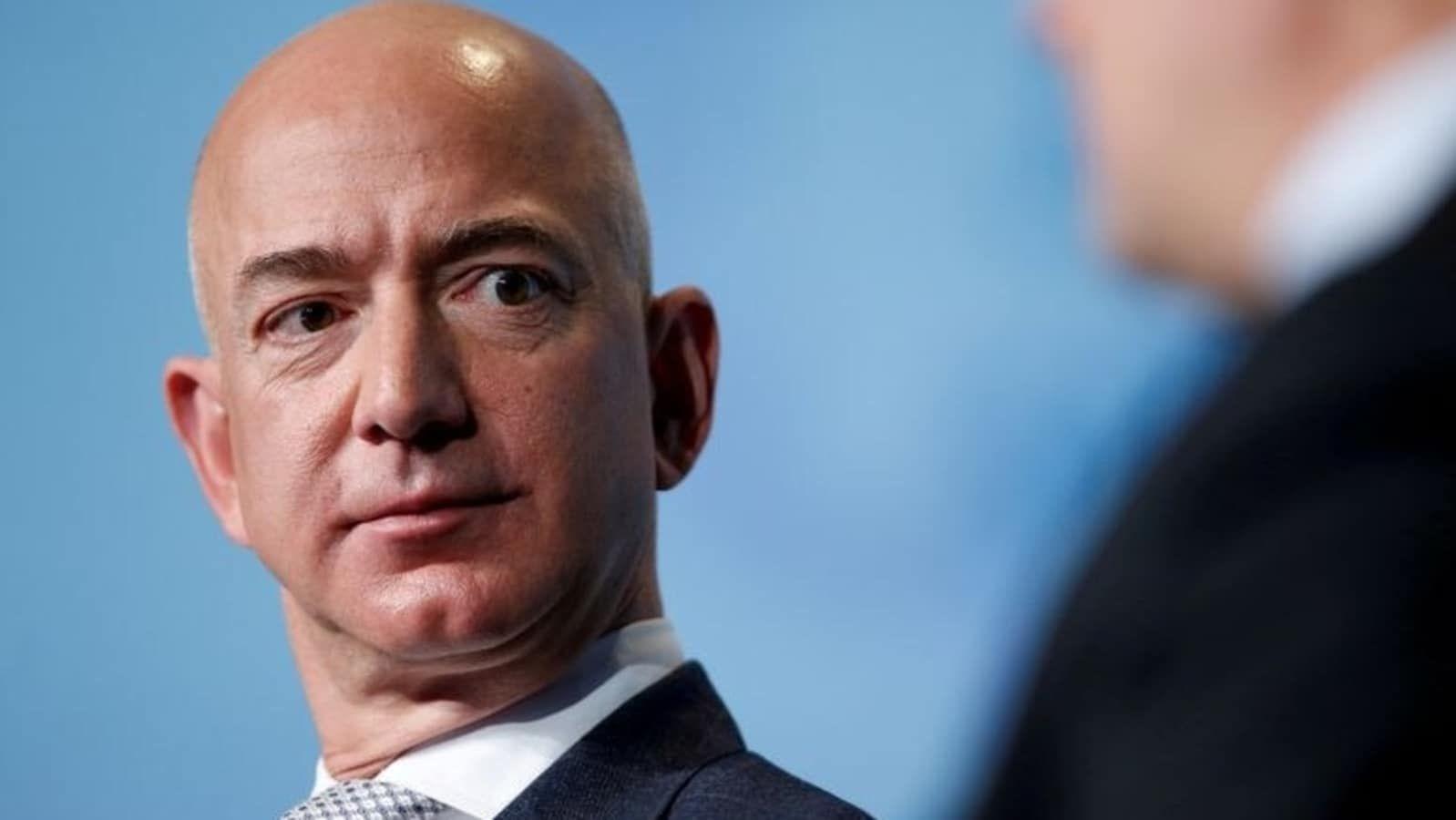 «Калькулятор Безоса»: програміст із США зробив програму, яка в реальному часі рахує заробіток голови Amazon