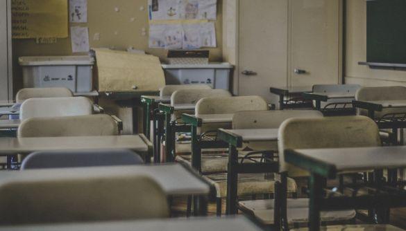У мережі поширюють фейк про те, що у Києві скасували набір першокласників на наступний навчальний рік