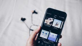 Spotify планує створити на платформі платні підписки на подкасти