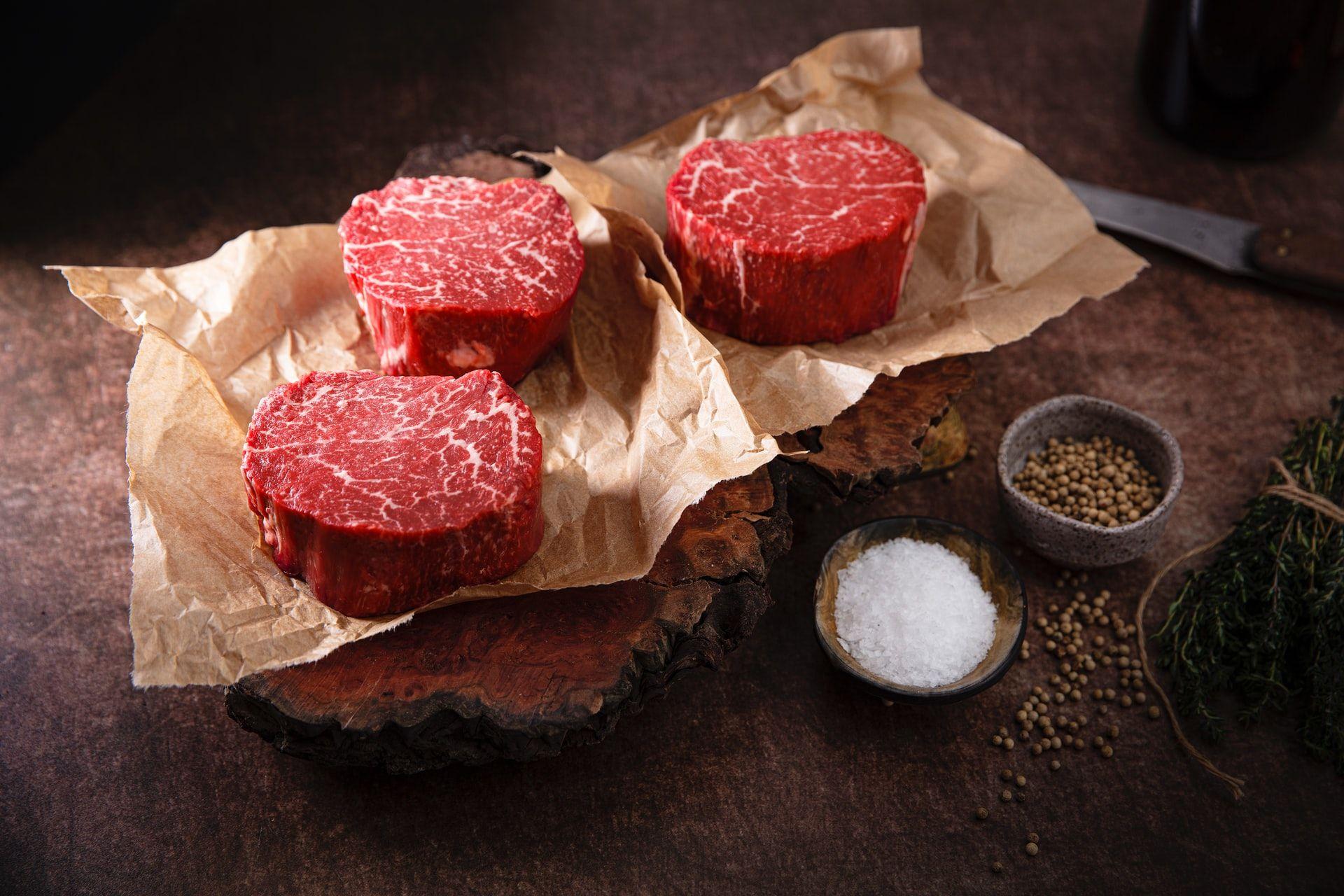 Телеканал Fox News поширив фейк про те, що Байден просить американців перестати їсти червоне м'ясо