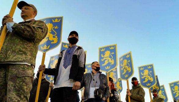 Телеканали ОПЗЖ розповіли, як в Україні «реабілітують нацизм»