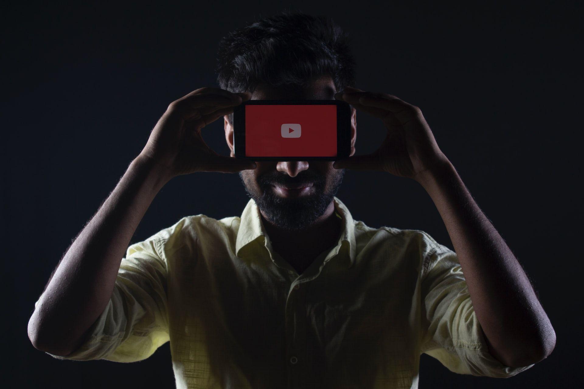YouTube витратить 100 мільйонів доларів на оплату творцям контенту, які використовують YouTube Shorts