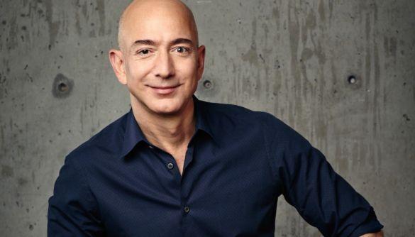 Джефф Безос офіційно залишить посаду гендиректора Amazon у річницю заснування компанії
