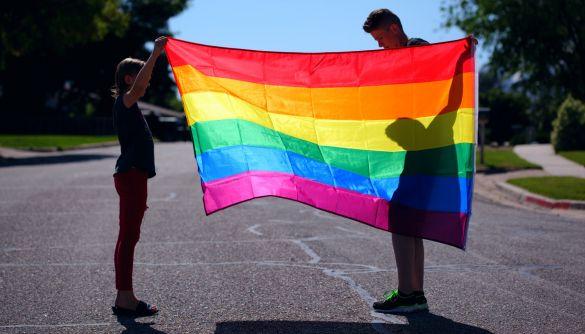 Десять міфів про ЛГБТ+, поширених в українських медіа та суспільстві