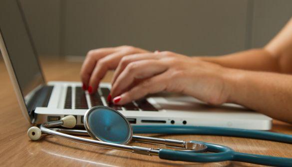 Із вересня в українських лікарнях відкриватимуть електронні лікарняні