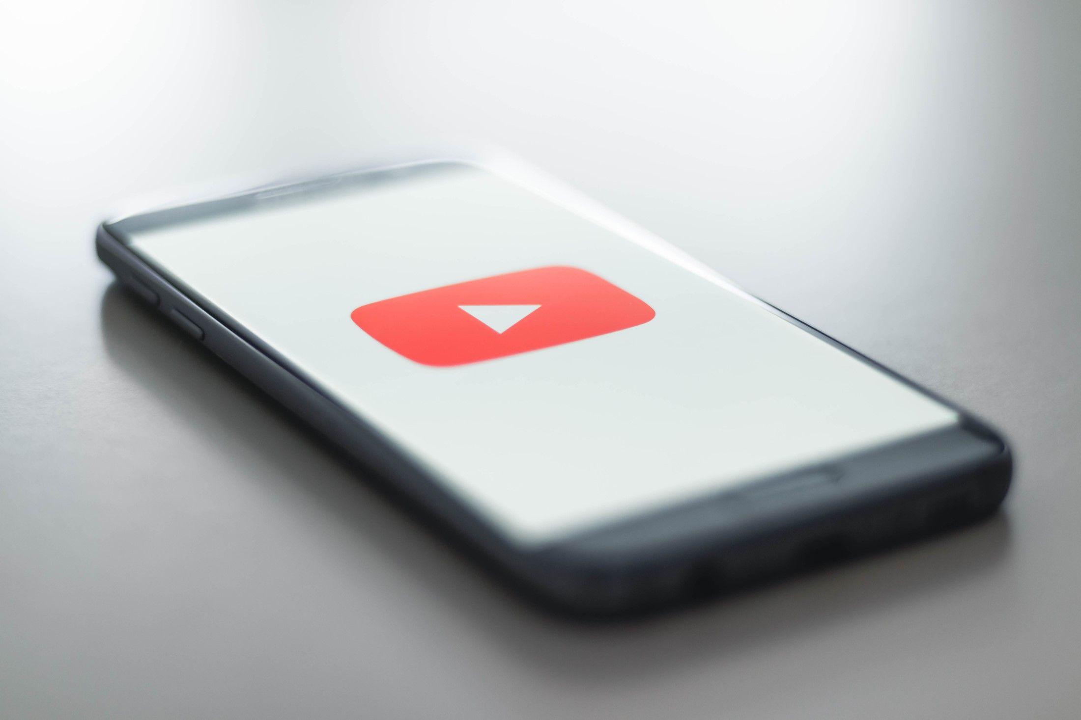 YouTube заборонить рекламу алкоголю, азартних ігор та політики у своєму головному рекламному слоті