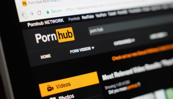 Більше 30 жінок подали до суду на власників Pornhub за використання відео без їхньої згоди