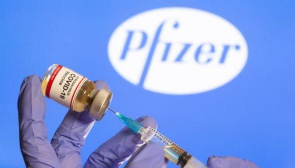 «Інтер» і 5 канал розкритикували нардепів за щеплення вакциною Pfizer — моніторинг