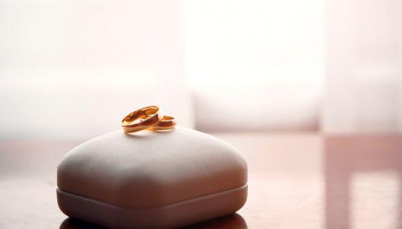 У Нью-Йорку скасували пандемійну традицію, заборонивши одружуватися через Zoom